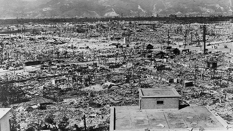 Фото взрыва бомбы в Японии