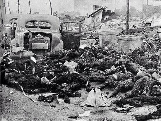 Страшные последствия взрыва, горы сгоревших трупов