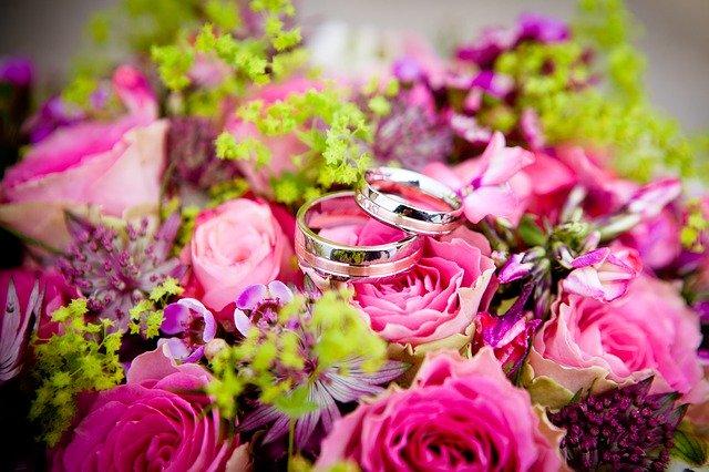 Обручальные кольца от ювелирного дома Unevie D'amour