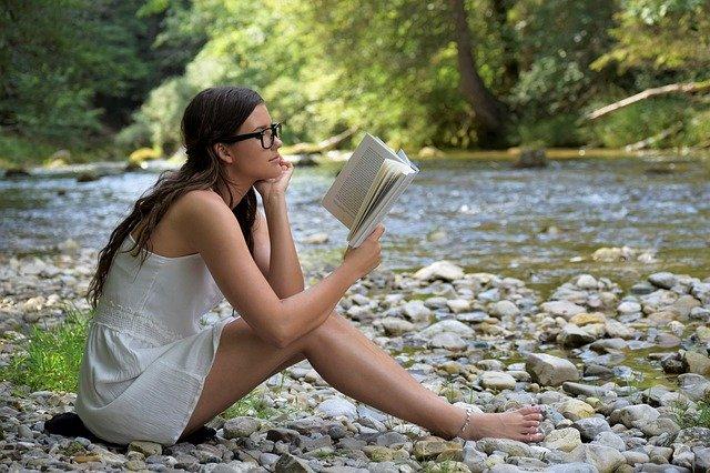 Что почитать в отпуске, чтобы приехать домой обновленным
